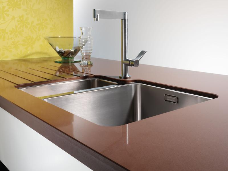 keramik arbeitsplatten trendmaterial f r die k chenplanung. Black Bedroom Furniture Sets. Home Design Ideas
